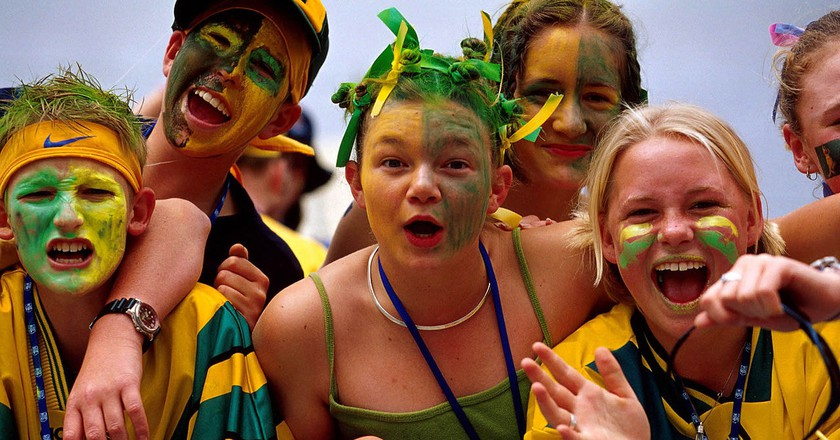 Australian fans | © Australian Sports Commission/Wikimedia Commons