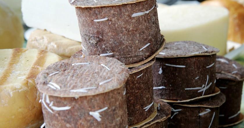 Brânză de burduf in tree bark © Old Swede 65/Flickr