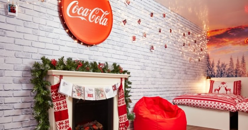 You can now have a sleepover in the Coca Cola truck | © Coca Cola
