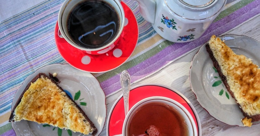 Tea and cakes © Baia Dzagnidze