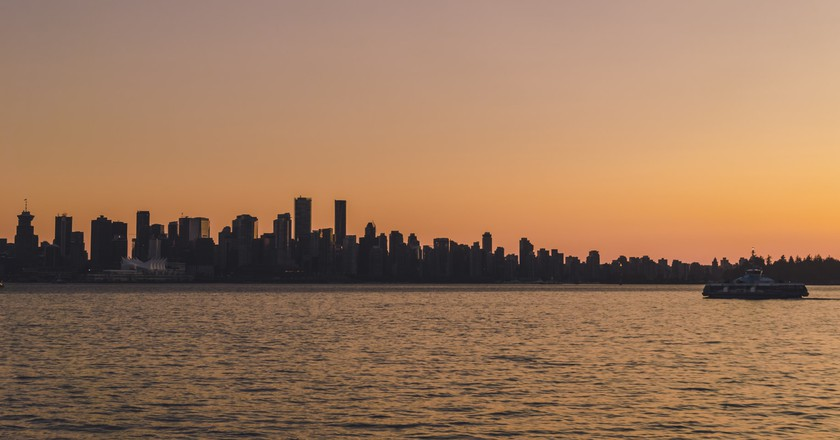 Beautiful sunset from Lonsdale Quay | © Hayley Simpson