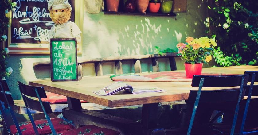 Outdoor Restaurant | © Pixabay