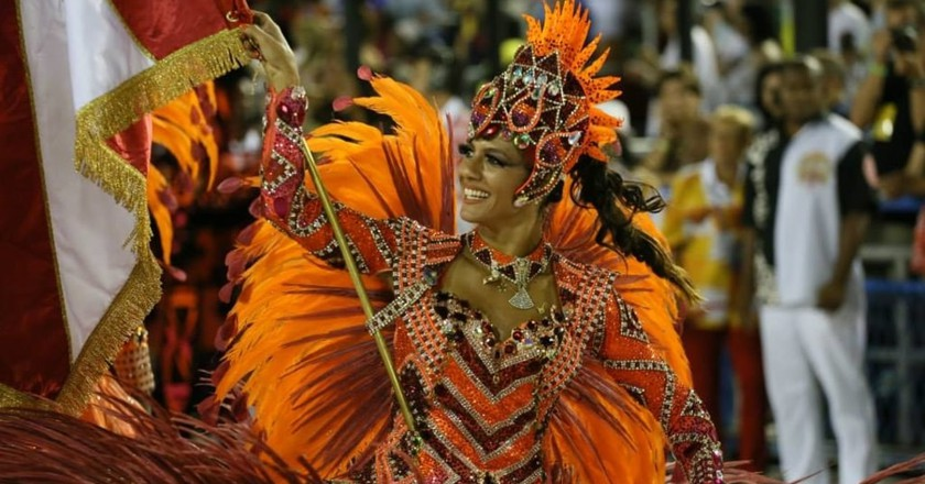 25 Stunning Photos That Will Make You Want to Go to Rio De Janeiro's Carnival Right Now