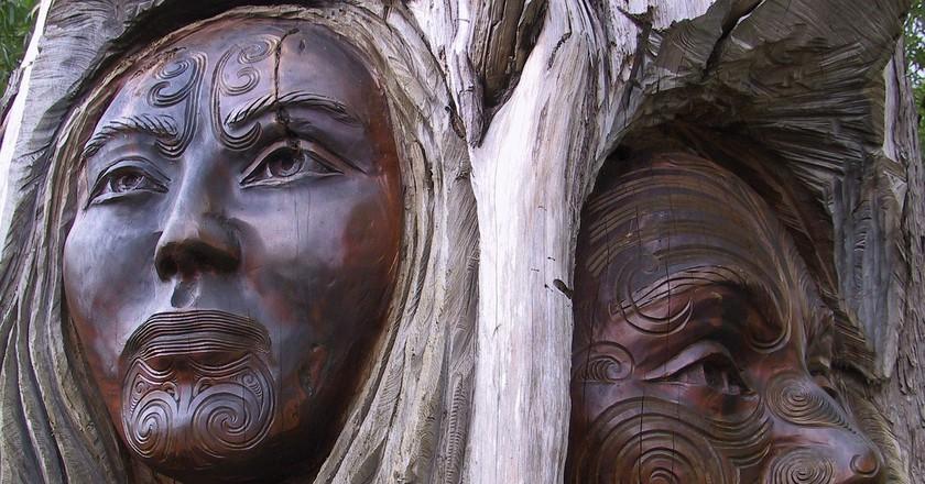 Māori wood carving