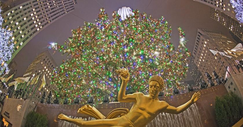 Rockefeller Center Christmas Tree   © Anthony Quintano / Flickr