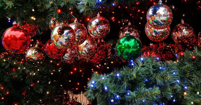 Christmas decoration © Jorge Franganillo/Flickr