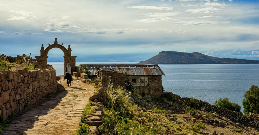Taquile Island trail | © ydence Davis/Flickr