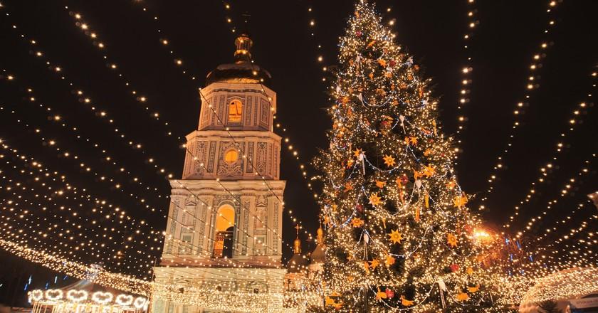 "<a href=""https://www.flickr.com/photos/spoilt_exile/31877952595/"">Christmas in Kiev ©spoilt.exile/Flickr</a>"