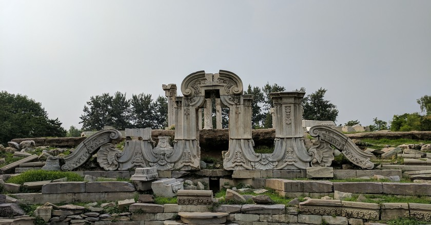 Ruins in the Old Summer Palace | © sporst / Flickr