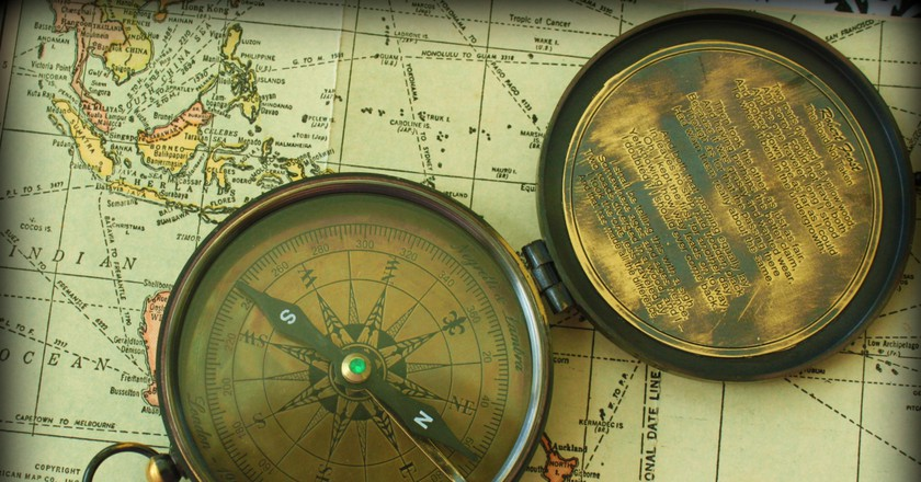 Map and Compass | © Calsidvrose / Flickr