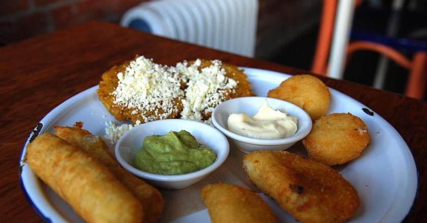 Medley of Venezuelan snacks   © Alpha / Flickr