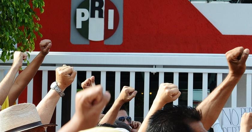 Mexican anti-government protestors
