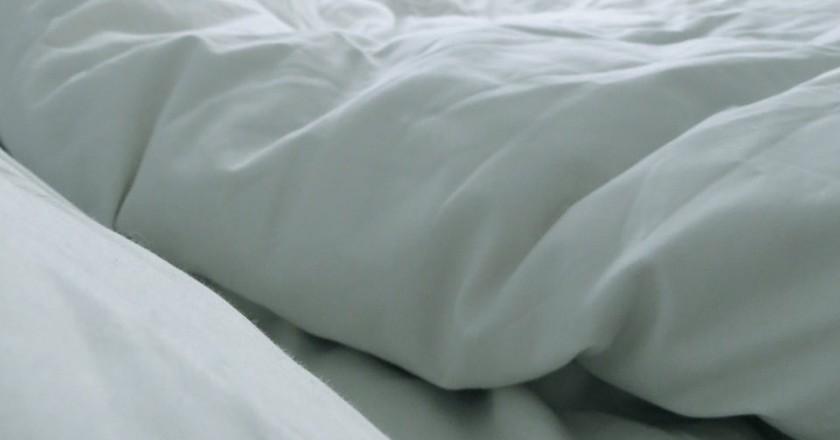 Bed sheets | © elizaIO / Flickr