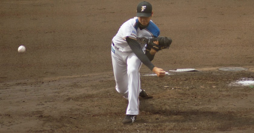 Ohtani pitching for the Nippon Ham Fighters | © shiori.k / Flickr