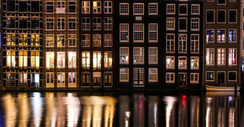 A Guide to Amsterdam's Magic Truffle Smartshops
