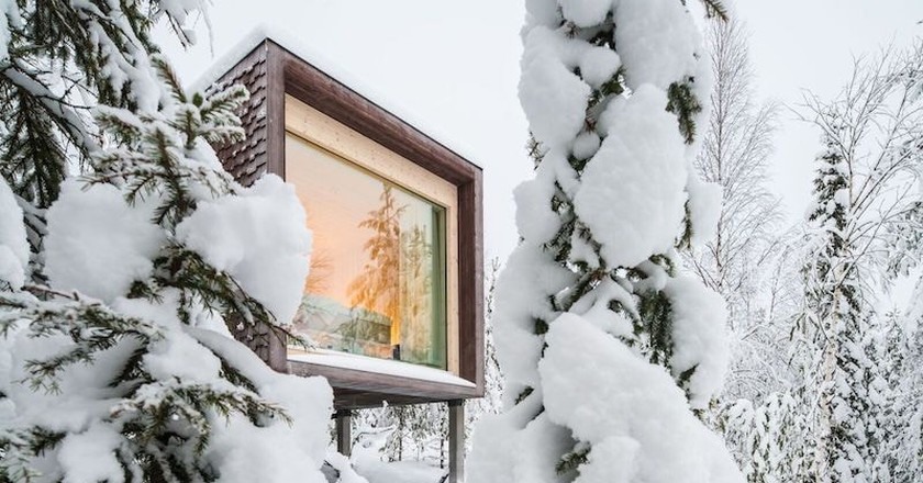 Snowy treehouse |© Santa Park Artic World