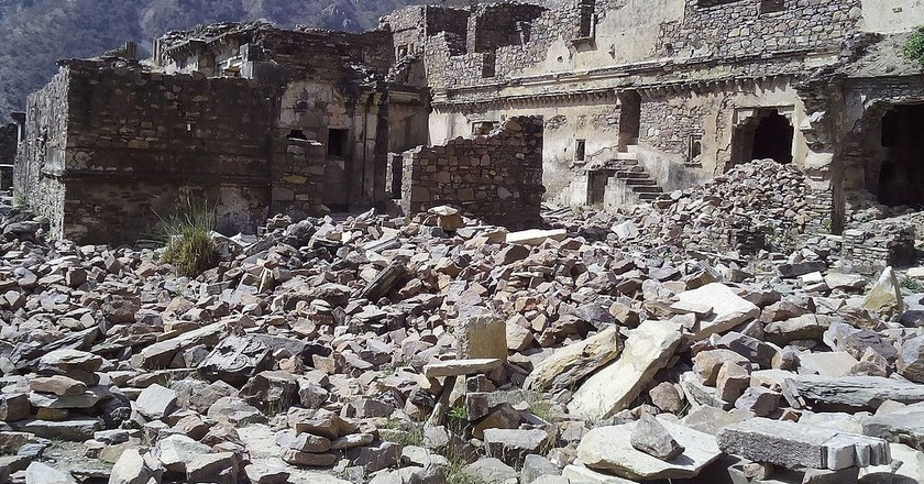 Bhangarh Fort   ©Nidhi Chaudhry / WikiCommons