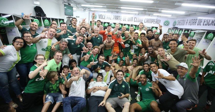 Chapecoense celebrate after qualifying for the Copa Libertadores | © Sirli Freitas / Chapecoense