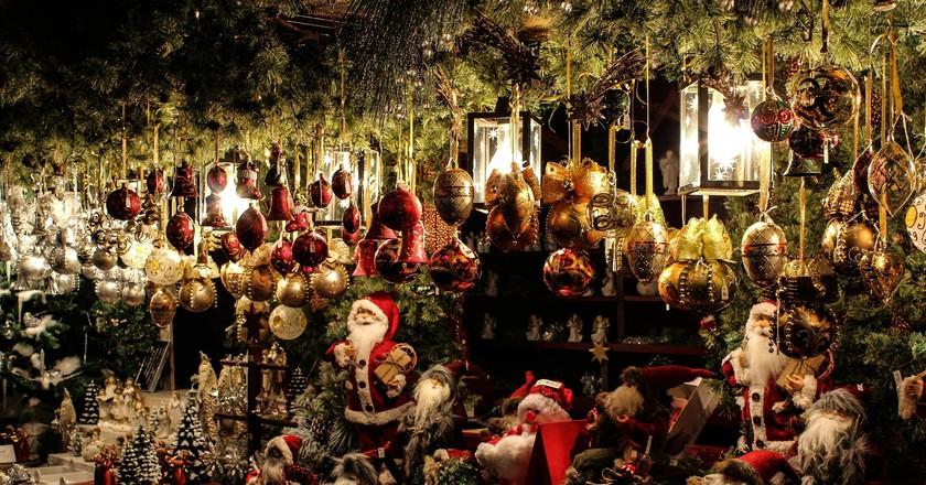 Christmas decorations at the Christmas Fair | © Gellinger/ Pixabay