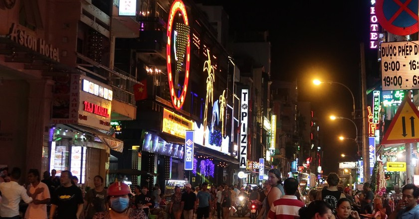 Bui Vien is the bar capital of Saigon | © Sam Roth