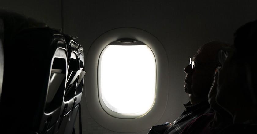 Airplane Window | © Erwan Hesry/Unsplash