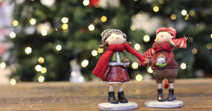 Festive figurines   Courtesy of Hadeland Glassverk