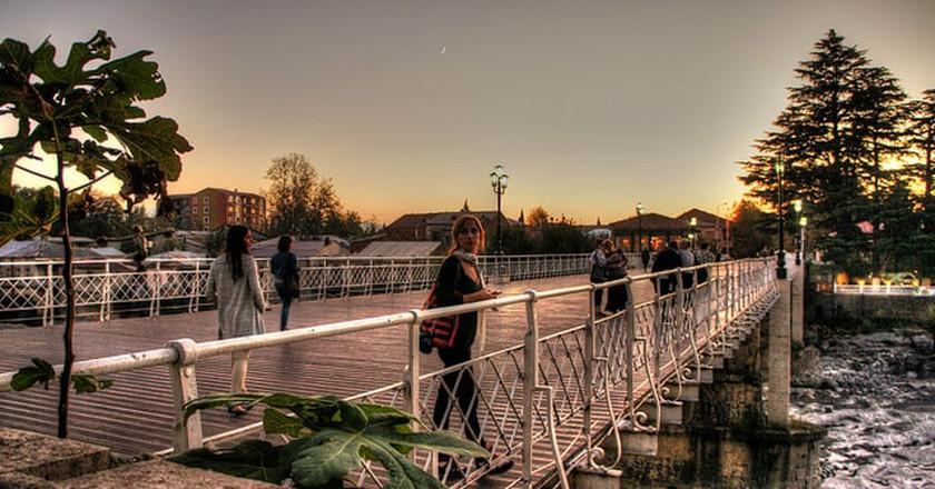 White Bridge in Kutaisi   © Roberto Strauss/ Flickr