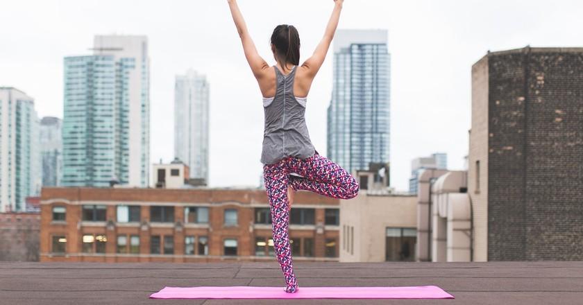 Yoga on the roof | © Burst/Pexels