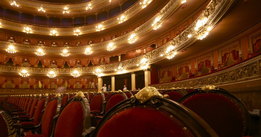 The inside of the Teatro Colon | © Roger Schultz/Flickr