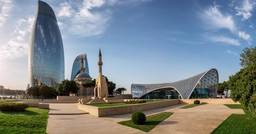 View of the main buildings in Baku, Azerbaijan | © liseykina/Shutterstock