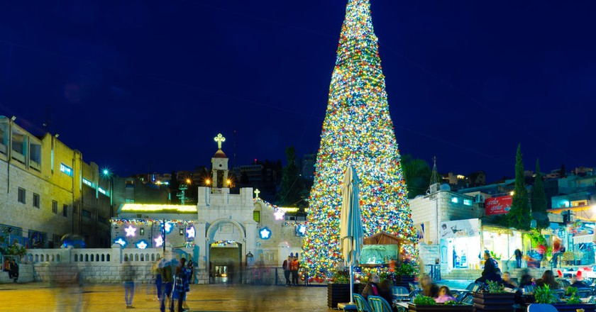 Christmas scene of Mary's Well Square, Nazareth, Israel | © RnDmS/Shutterstock