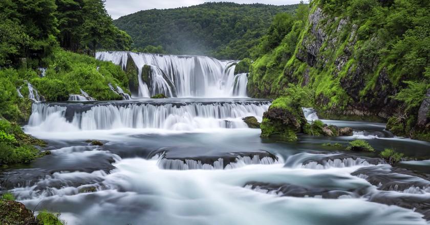 Waterfall of Strbacki Buk on Una river | © Weston/Shutterstock