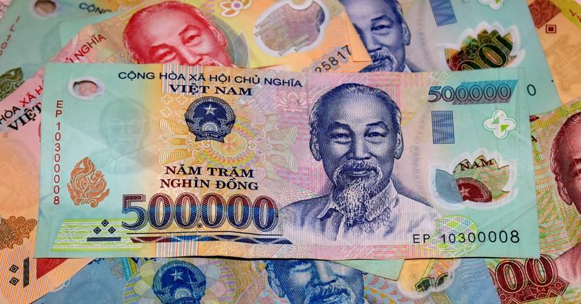 Millions Of Vietnam đồng Matthew Pike