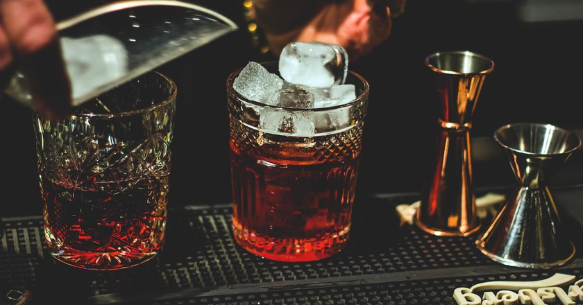 Have a drink and a chat in Constanta's bars   © Wine Dharma / Unsplash