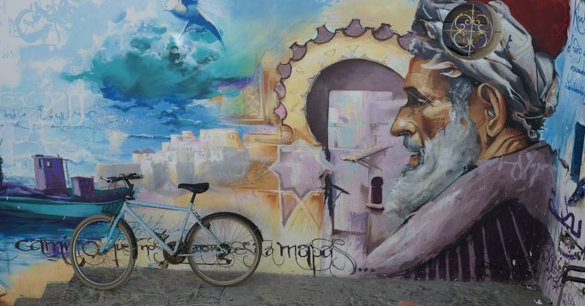 Large wall painting in Asilah of Ibn Khaldun | © mhobl/Flickr