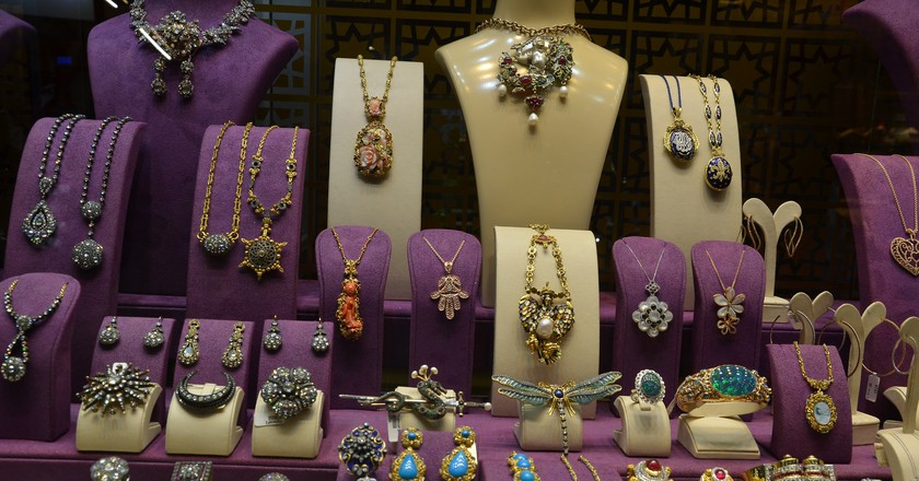 Grand Bazaar Jewelry | © shankar s./Flickr