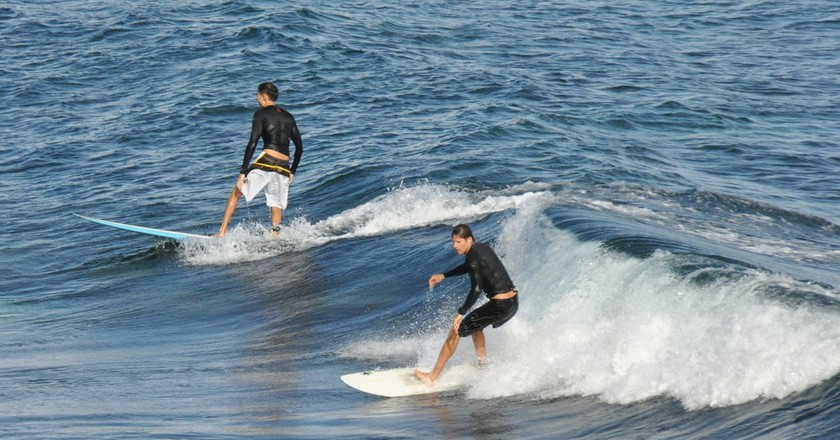 Surfing in Latvia | © Ted/Flickr