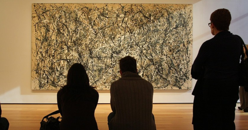 People looking at Jackson Pollock's 'One: Number 31' (1950)   © Pete/Flickr