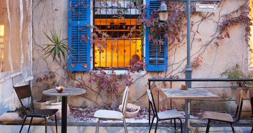 A coffee shop in the northern Israeli city of Haifa | © Israeltourism / Flickr