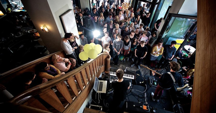 Band playing to large crowd at Torstraße Festival Berlin   © newthinking communications/Flickr