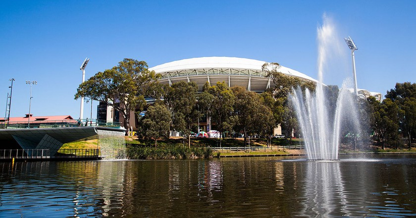 Adelaide Oval and the River Torrens | © TheLeadSA/WikiCommons