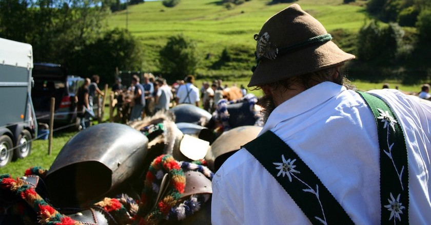 How Bavarian Shepherds Scare Away Wolves (or Demons)