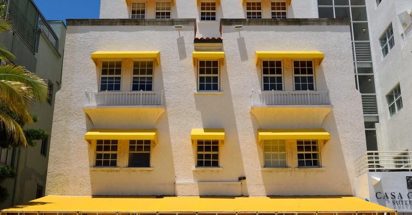 Art Deco style in Miami Beach  ©  Haydn Blackey \ Flickr