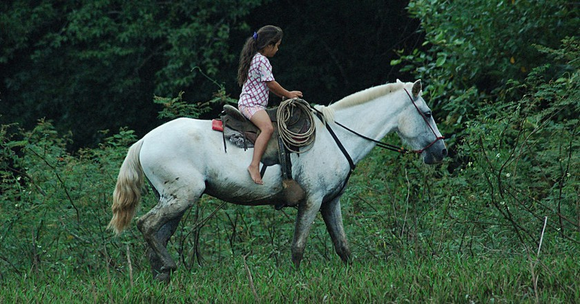 Never too young or old to ride a horse | © Don Henise/Flickr