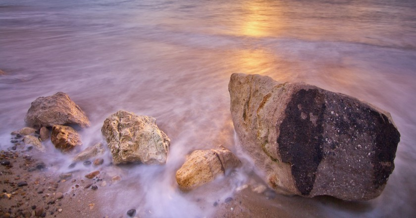 Alum Bay, Isle of Wight, England |  © Isle of Wight UK/Flickr