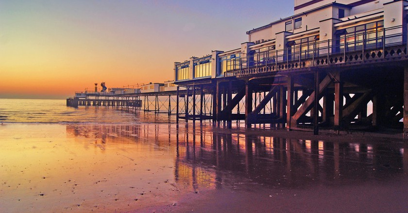 Sandown Pier, Isle of Wight    © Simon Harrod/Flickr