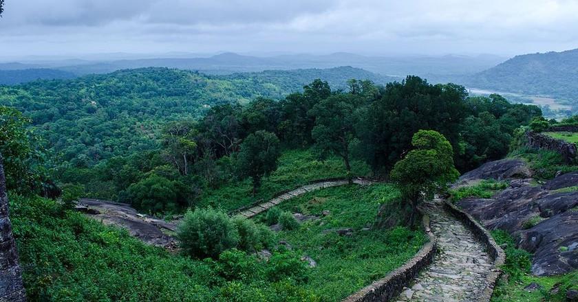 Panoramic view of Kavaledurga Fort | © Yashhegde / Wikimedia Commons