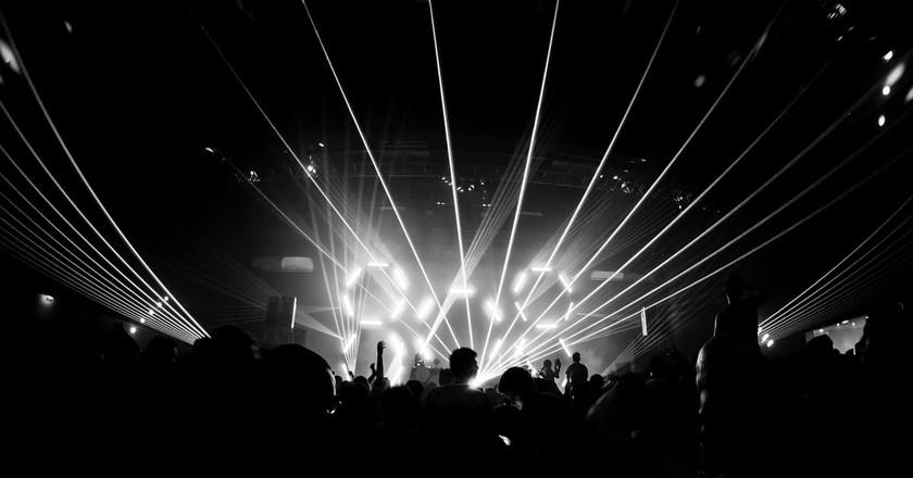 Techno rave in Berlin nightclub | © 453169 / Pixabay
