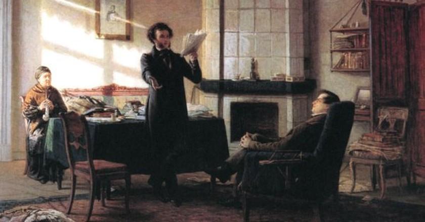 Pushkin sharing his work | © WikiCommons