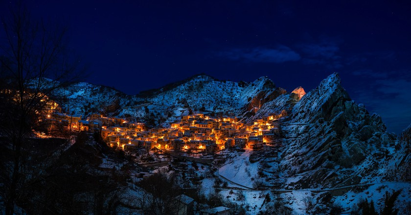 Remote mountain village   © Pexels